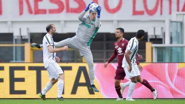 Kosztowne błędy Szczęsnego. Juventus uratował remis w derbach