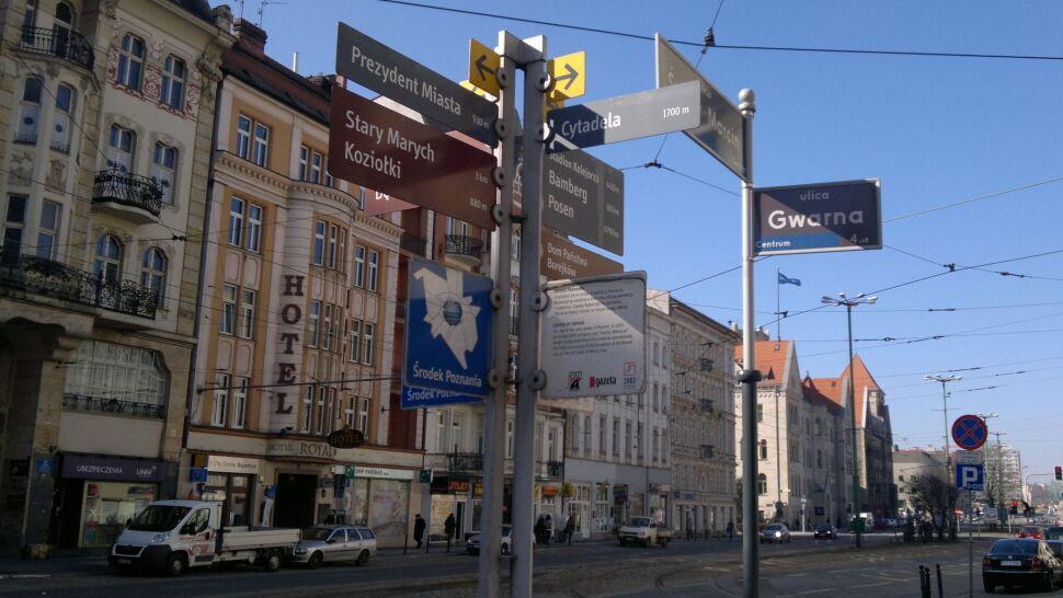 """""""Poznański pępek świata"""" zniknął po remoncie ulicy, niebawem ma wrócić"""
