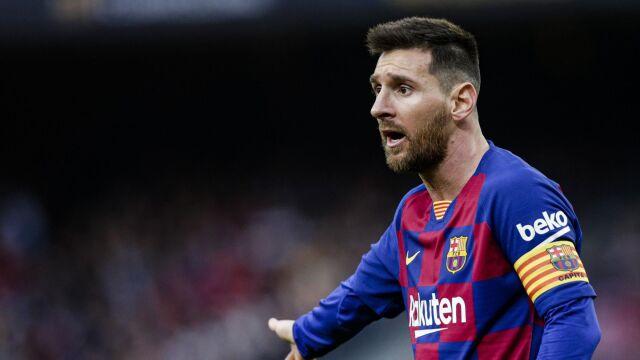 Koniec z szachownicą. Historyczne nawiązanie na nowych koszulkach Barcelony