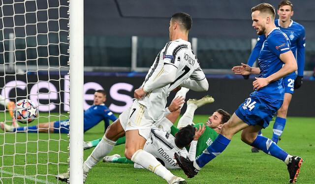 Juventus - Dynamo Kijów: Cristiano Ronaldo ma już 750 goli w karierze - Liga Mistrzów | Eurosport w TVN24    - Piłka nożna - TVN24
