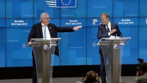 Juncker zażartował z Tuska. Rozbawił dziennikarzy