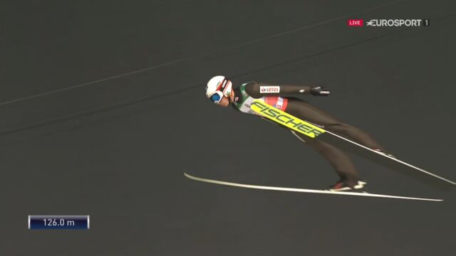 Skok Kamila Stocha z kwalifikacji w Oberstdorfie