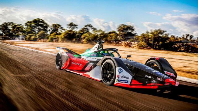 """Audi zaprezentowało malowanie auta na nowy sezon Formuły E. """"Wygląda agresywnie"""""""