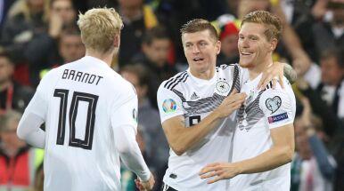 Niemcy wymęczyli zwycięstwo. Holandia zdemolowała