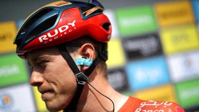 Zszedł z roweru, wsiadł do samochodu. Faworyt czasówki w tajemniczych okolicznościach wycofał się z Tour de France
