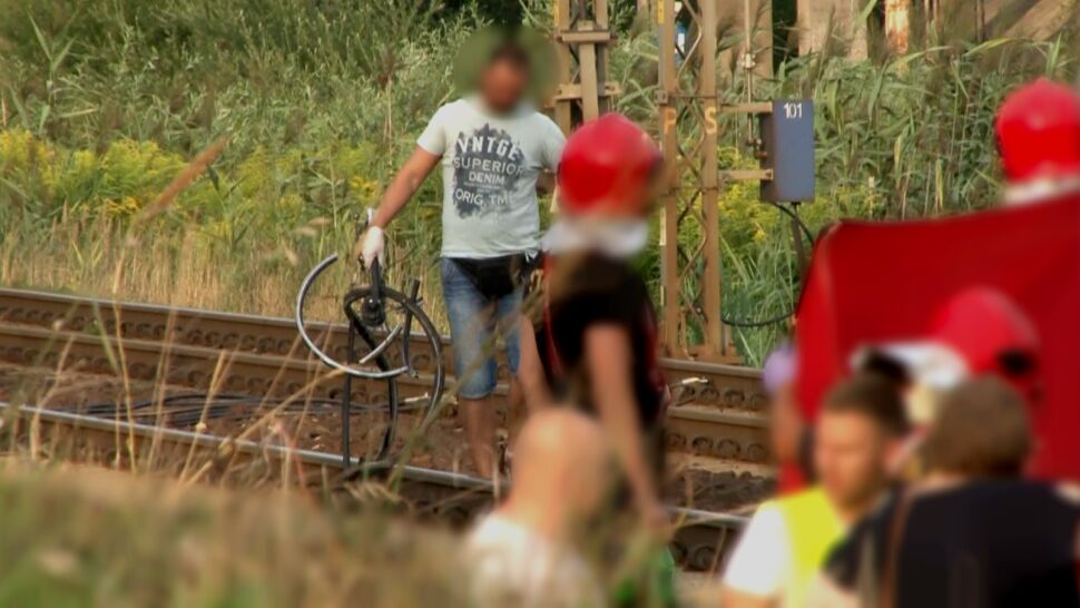 """Dróżniczkę bolała głowa, """"zapomniała""""  o pociągu. Zginęła rowerzystka"""