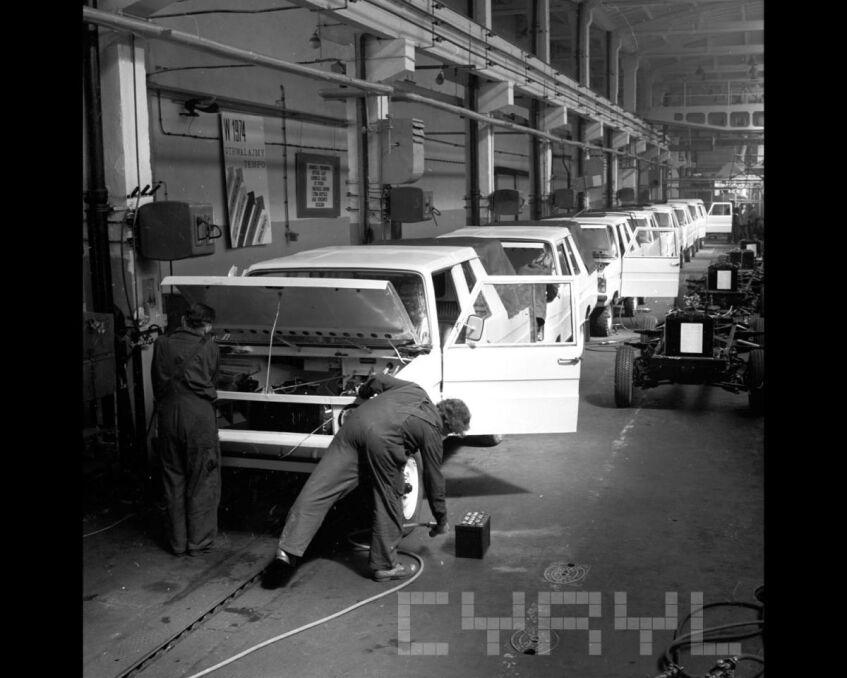 Produkcja samochodu z Poznania - Tarpana w fabryce na Antoninku