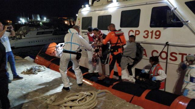 Hiszpania gotowa przyjąć statek z migrantami.