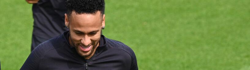 Śmiech przez łzy. Neymar wrócił do treningów z zespołem PSG