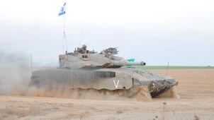 Uzbrojeni Palestyńczycy szli w kierunku granicy. Izrael wysłał czołg i śmigłowiec