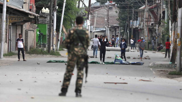 Trump rozmawiał z premierem Pakistanu. Apeluje o dialog w sprawie Kaszmiru