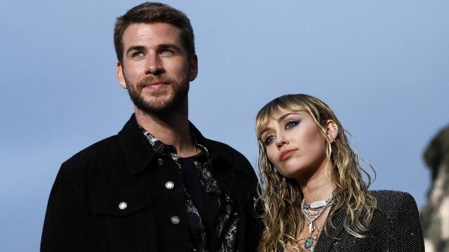 Długa historia miłości, krótkie małżeństwo. Miley Cyrus i Liam Hemsworth w separacji