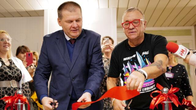 Katowice hospital director Marian Kreis and Jerzy Owsiak celebrate opening of the new MRI ward
