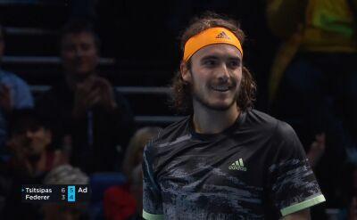 Debiutant lepszy od mistrza. Tsitsipas pokonał Federera w półfinale ATP Finals