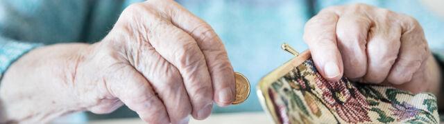 Podwyżki świadczeń, trzynasta i czternasta emerytura. Rząd szykuje dwa projekty