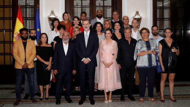Król Hiszpanii chwalił demokrację w czasie wizyty na Kubie.