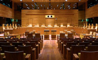 Komisja Europejska formalnie pozwała Polskę do europejskiego trybunału