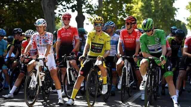 785 testów, wszyscy dopuszczeni. Tour de France jedzie dalej