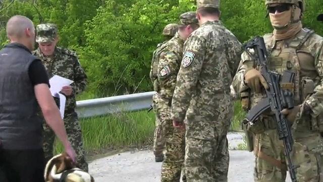 """""""Gest dobrej woli"""" ługańskich separatystów. Przekazali Ukrainie więźniów"""