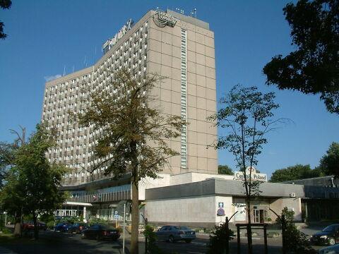 """Hotel """"Polonez"""" zamknięto 1 kwietnia 2012 r."""