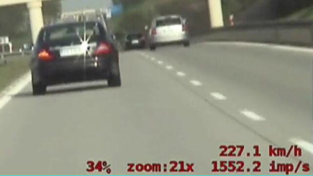 Niemiec pędził autostradą. Na liczniku 224 km/h