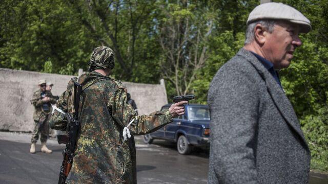 """Separatyści: uwolniliśmy obserwatorów OBWE. """"Nie wiemy, gdzie odjechali"""""""