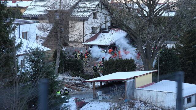 Dom runął, zginęło osiem osób. Prokuratura o najbardziej prawdopodobnej wersji zdarzeń