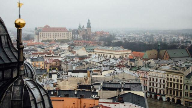 Smog znowu dusi Kraków. Normy przekroczone wielokrotnie