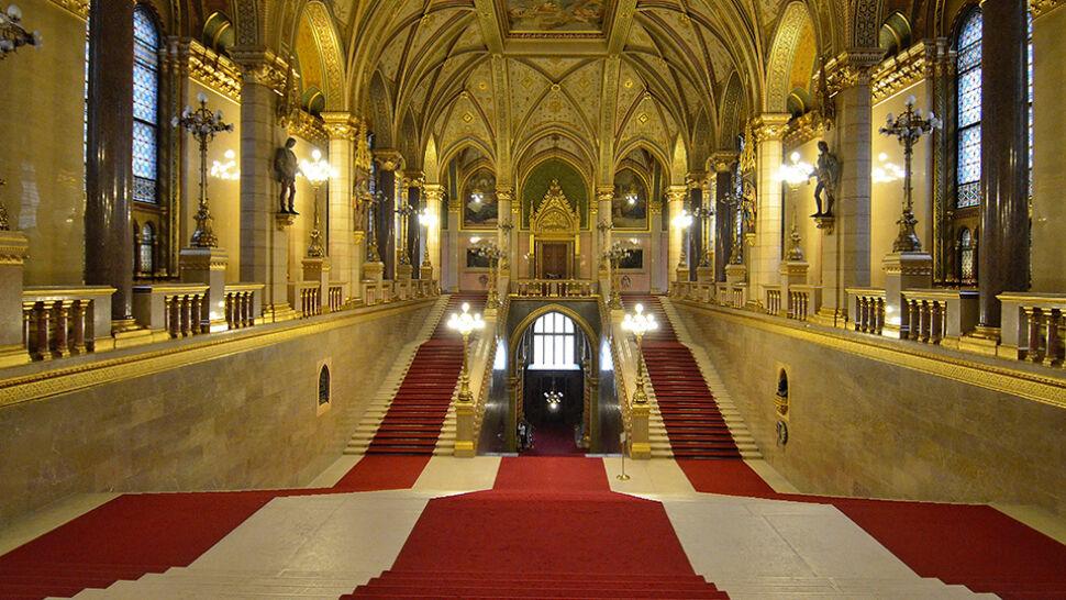 Węgierski parlament przyjął rezolucję popierającą Polskę