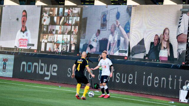Świetna inicjatywa duńskiego klubu. 10 tysięcy wirtualnych kibiców na meczu