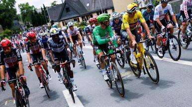 Protest kolarzy na starcie 4. etapu Tour de France. Chcą poprawy bezpieczeństwa