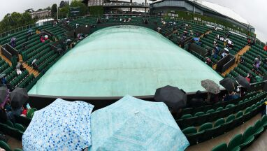 Deszcz opóźnia początek Wimbledonu. Co z meczem Świątek?
