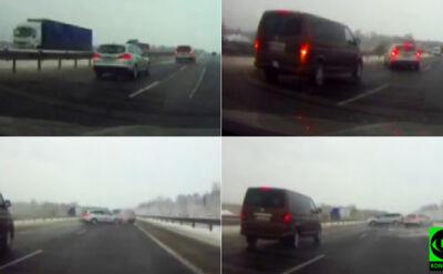 Auto wpada w poślizg, uderza w inne. Zobacz nagranie Reportera 24
