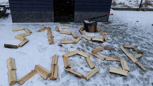 Będzie rąbać drewno za ponad trzy tysiące złotych. To jego orkiestrowy rekord