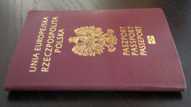 Zgłoszony jako utracony trafia do specjalnej bazy. Co zrobić, jeśli zgubimy paszport?