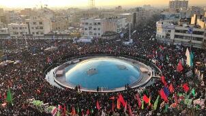 Setki tysięcy ludzi na ulicach Teheranu. Żegnają