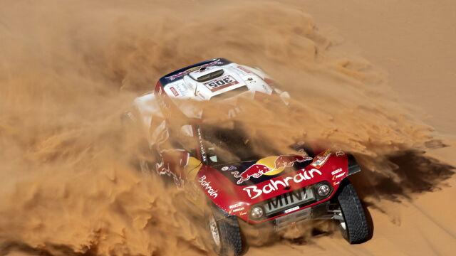 Sonik zachowuje miejsce na podium Dakaru. Bezkonkurencyjny Sainz