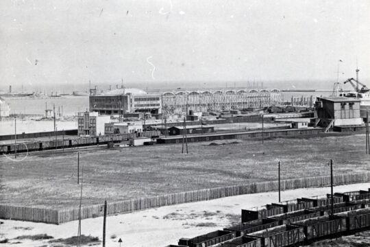 Budowa Dworca Morskiego i Magazynu Tranzytowego na Molo Pasażerskim, 1933 r.