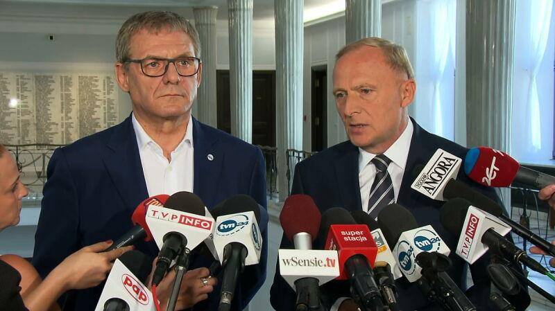 Posłowie PO komentują konflikt na linii Duda-Macierewicz