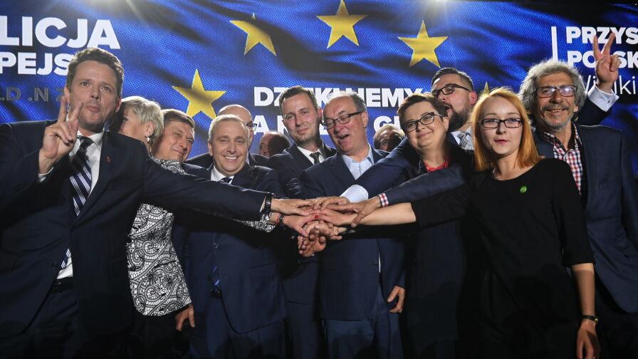 """Razem czy osobno? Jak opozycja powinna iść do wyborów. Sondaż dla """"Faktów"""" TVN i TVN24"""