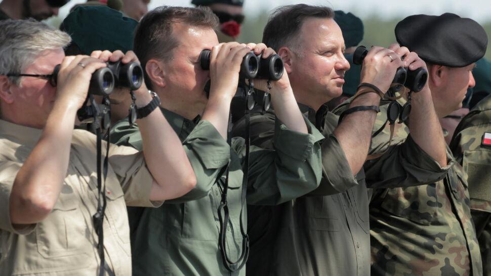 """""""Odparcie ataków wroga i utrzymanie rubieży"""". Prezydent i szef MON na poligonie w Orzyszu"""