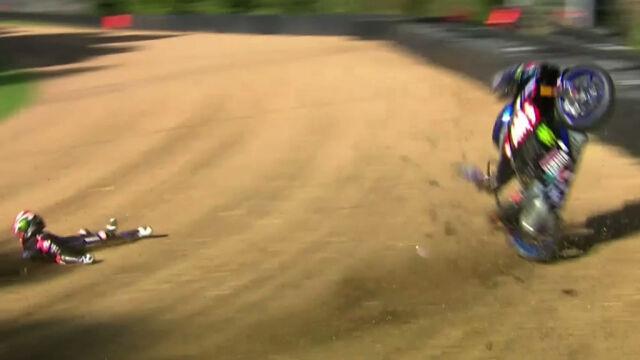 Motocykl wyleciał z toru i zgubił się w zaroślach