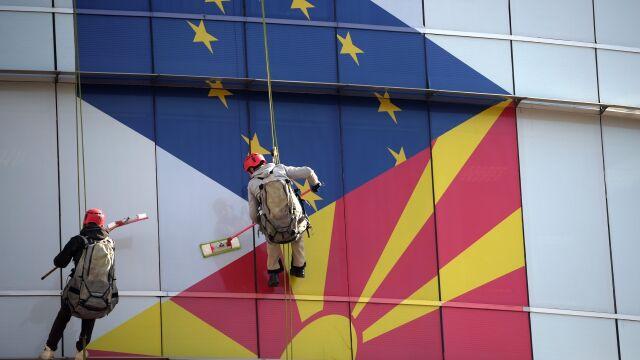 """""""Historyczna pomyłka"""", """"groźny błąd"""". Tusk  i Juncker krytykują decyzję unijnego szczytu"""