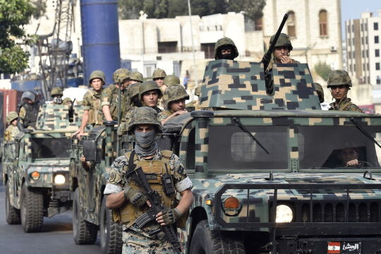 Na libańskich ulicach pojawiło się wojsko
