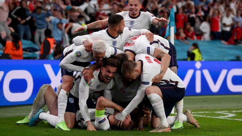 Wembley w ekstazie. Anglicy w finale Euro po dogrywce z kontrowersją