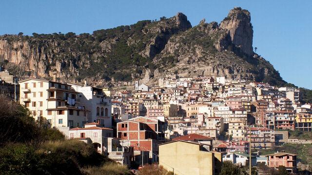 Tajemnicza kradzież na włoskiej wyspie. Zginęły próbki DNA stulatków