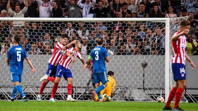 """19-latek strzelał, Szczęsny wyjmował piłkę z bramki. """"Portugalska perełka"""" przyćmiła Ronaldo"""