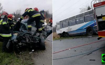 Kierowca zakleszczony w aucie i rozbity autobus. Trzy osoby ranne po zderzeniu