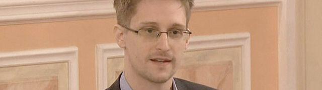 Rosjanie pozwolili Snowdenowi zostać