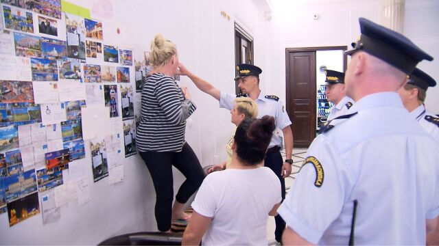 Straż Marszałkowska próbowała usunąć pocztówki przysłane protestującym